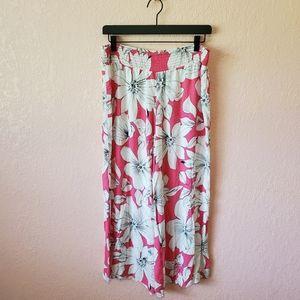 Vintage 00's Scoop Pink White Floral Gaucho Pants